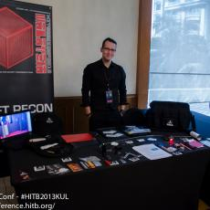 Eric Michaud from Rift Recon getting his area set up. Rift Recon Rift Recon tailors its clients from a suite of exclusive physical security services to meet specialized needs in hardware, assessment reports, tool creation and team outfitting
